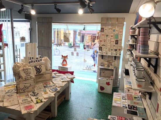 Foxboutique Gift & Souvernir Store