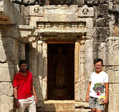 Aluvihara Rock Cave Temple: another ancient temple