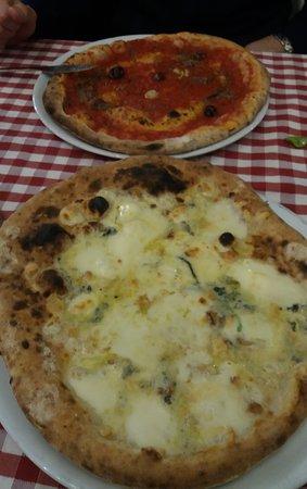 Il Passeggero: Pizza marinara e pizza ai quattro formaggi