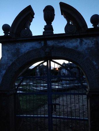 Dutch Cemetery صورة فوتوغرافية
