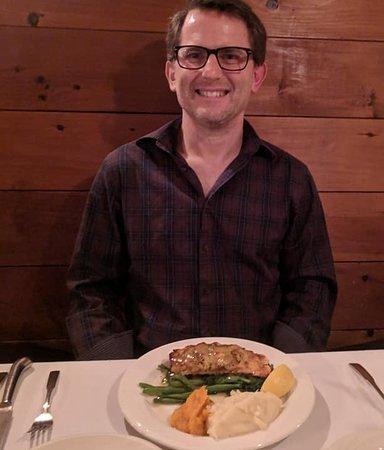 YE OLDE TAVERN: Atlantic Salmon with Parsley horseradish crust, over spinach with dill & Dijon mustard vinaigret
