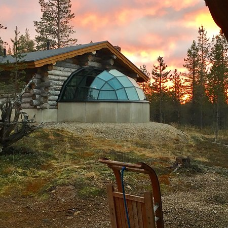 15 Nov 3 night stay, no snow but beautiful stars and Aurora!