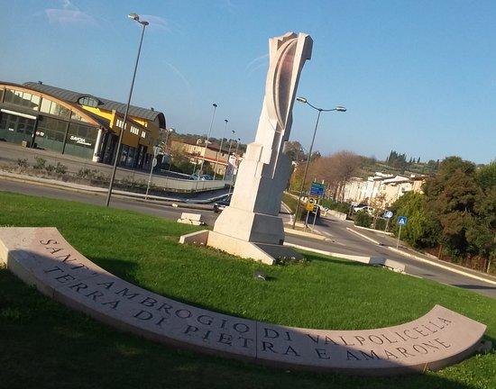 Sant'Ambrogio di Valpolicella Photo