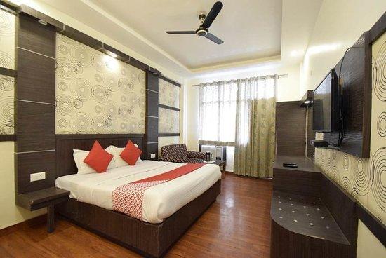 OYO 7358 Hotel Jagdish Residency