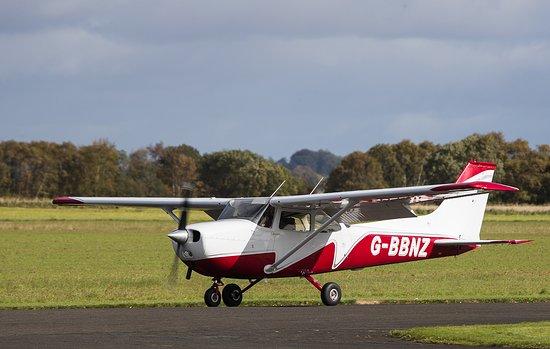 Scone, UK: Cessna 172 aircraft
