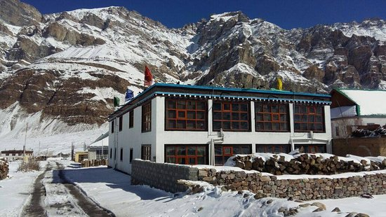 Losar, Hindistan: This is the only photo I clicked, but I think this tells you a lot :) This was in April. Pack away and Leave soon