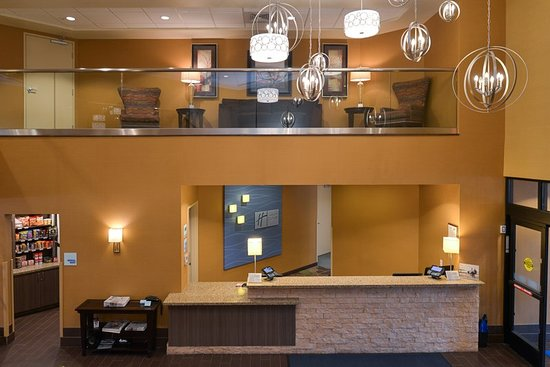 Holiday Inn Express & Suites Pocatello : Lobby