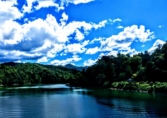 Santeetlah Lake: This is my favorite picture of this wonderful lake.