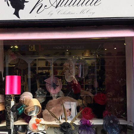 Kinsale, Ierland: Some of the fabulous bespoke headwear created for you and you only ,