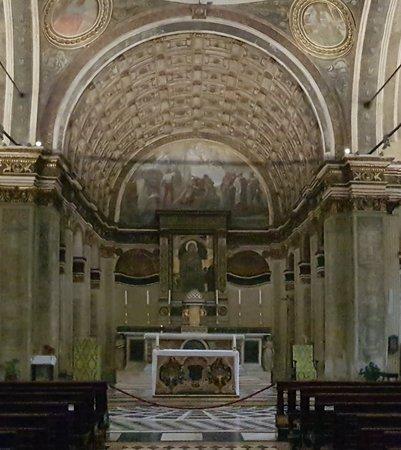 Bramante's perspective illusion choir
