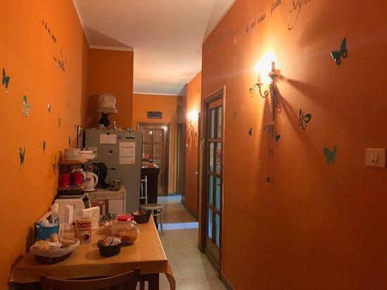 Camera arancione - Picture of La Dimora, Naples