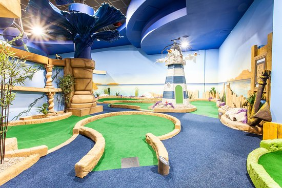 Paradise Island Adventure Golf - Cheshire Oaks