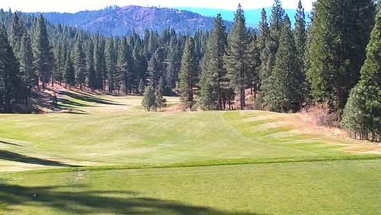 Hole 12 at Grizzly Ranch Golf Club