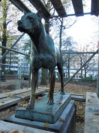 "Sculpture ""Le dogue d'Ulm"""