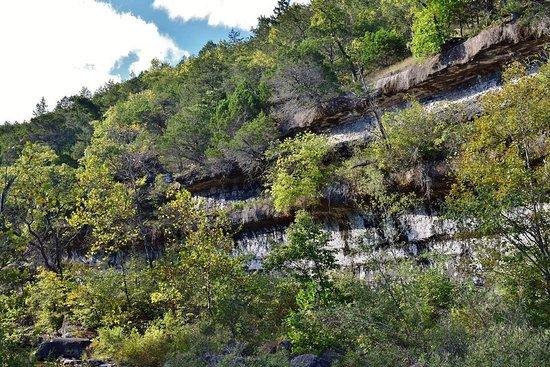 Forsyth, MO: Cliffs