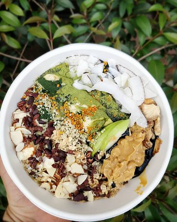 ⓢⓤⓟⓔⓡⓕⓞⓞⓓ Bowl👇 -activated charcoal / Carbon activado⚫ -Macca🔋 -Pollen🐝 -spirulina🍃 -Moringa -coconut lakes 🌴 -hemp seeds /semillas de cañamo 🍁 -nuts 🌰 -cacao nibs🍫 -Peanut Butter/mantequilla de maní .