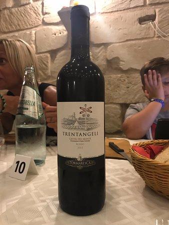 Nonna Consiglia: Tormaresca Trentangeli Castel del Monte Rosso Doc 0,75 cl.