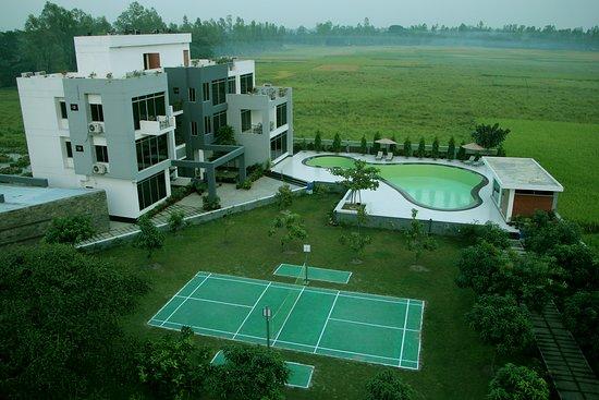 Gaibandha, بنجلاديش: Excellent Resort Long green view