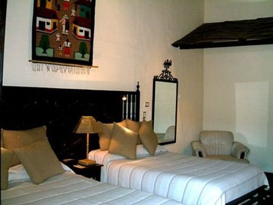 Hotel Mansion Iturbe: Guest room
