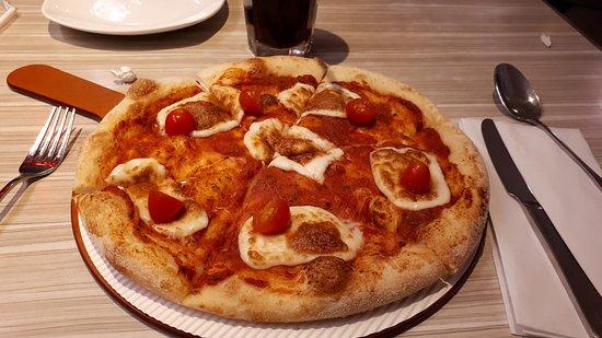 Pizza Hut (Wangfujing Taohui PH) : Pizza margherita