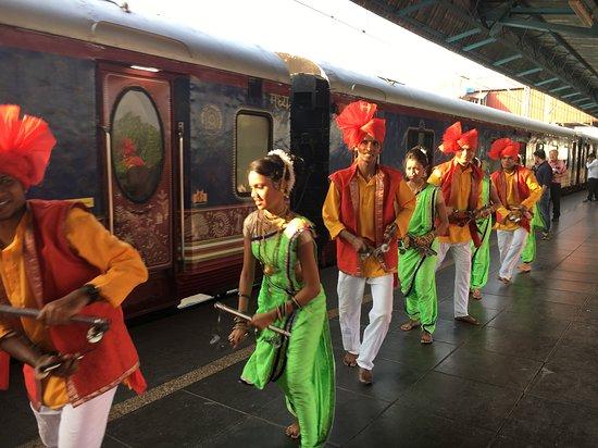 Deccan Odyssey: Arrival of the train