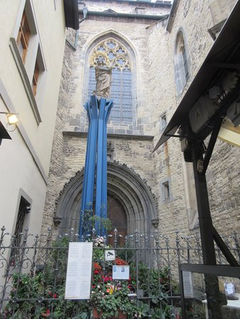 Nice Wencelas Statue