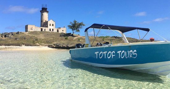 Blue Bay: speedboat excursion to Ile aux Phare