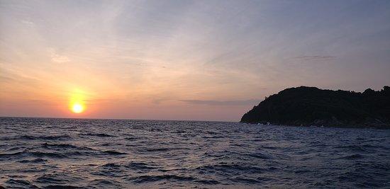 Khao Lak Scuba Adventures : beautiful sunsets