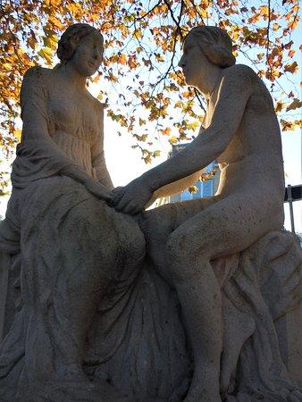 """Sculpture """"Les fiancailles"""""""