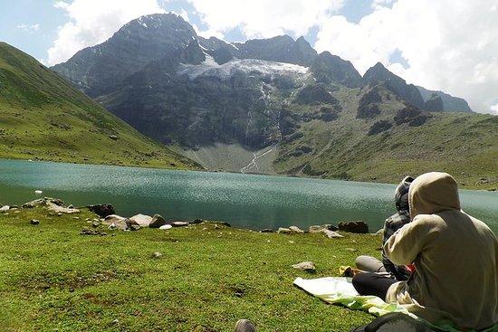 Sechs Tage Naranag Gangabal Trek
