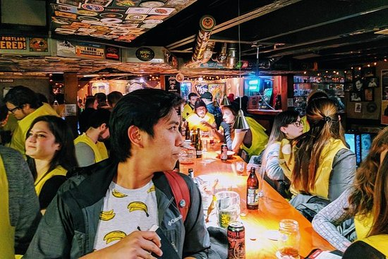 Seltsam-Bar Crawl mit Fanatical Local