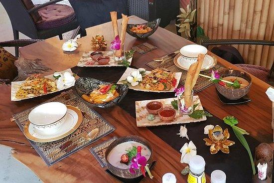 Schaukeln Sie den Wok Thai Kochkurs