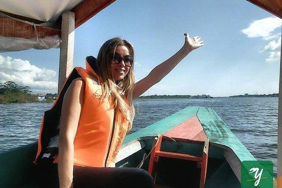 Boleto para paseo en bote al rio...
