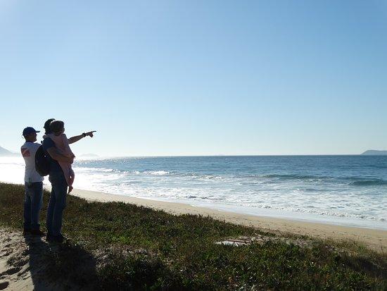 Imbituba, SC: Nós fazendo um Busca Baleeira com essa lindinha aí na foto! E ela adorou ter visto a Baleia Franca tão de perto!