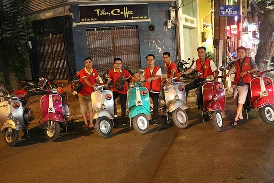 Hoi An Vespa Night street Comida tour