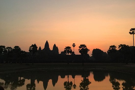 Angkor Sunrise Bayon Tomb Raider Ta...