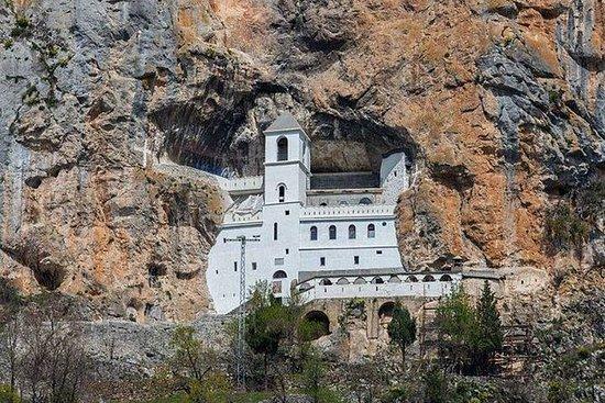 Monasterio Smiley Ostrog y otros...