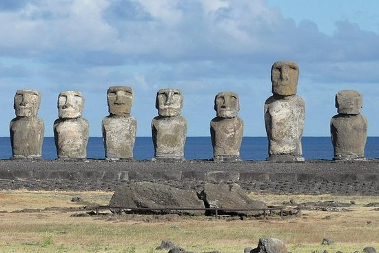 2-Day Small-Group Tour Easter Island...
