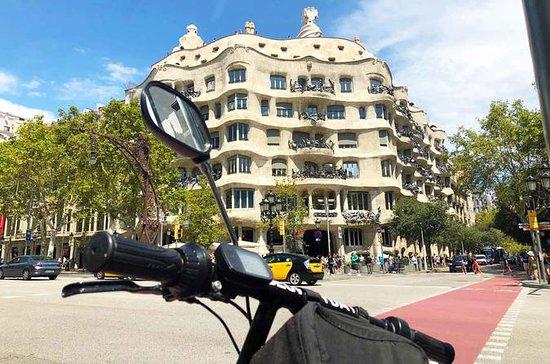 Tour guidé par Gaudí eScooter et...