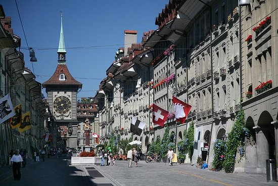 Bern city tour with private tourguide...