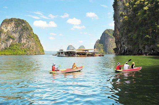Paseo en canoa por el barco grande de...