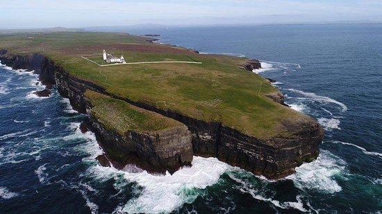 Kilbaha, ไอร์แลนด์: The edge of Ireland is sensational 😍