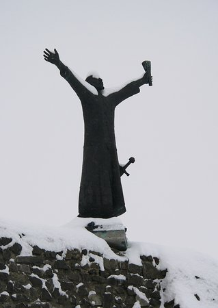 Géza király szobra