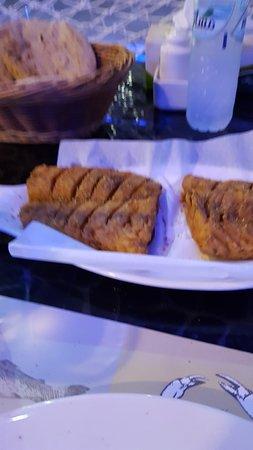 Aroos Al Bahar: Fried Hamour