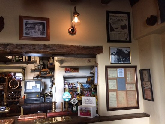 Appletreewick, UK: The bar at Craven Arms Cruck Barn