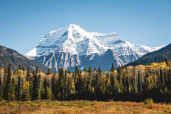 Vergiss Banff und fahr nach Norden! ;)  Während in Kanadas British Columbia der Banff Nationalpark und die üblichen Verdächtigen völlig überlaufen sind, wird es im Jasper Nationalpark und den angrenzenden kleineren Parks viel ruhiger, dabei ist es dort genauso schön.  Besonders hübsch: Der Mount Robson im gleichnamigen Provincial Park.