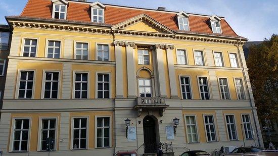 Palais Podewil