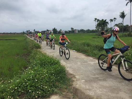 Viet Nam Loop Bike Tour