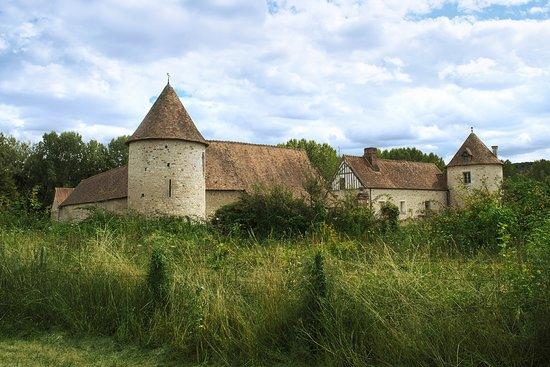 Gaillon, France: La Croix Saint Leufroy