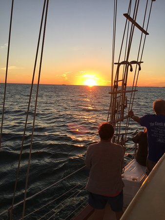 Great Sunset Sailing aboard Spirit of Independence